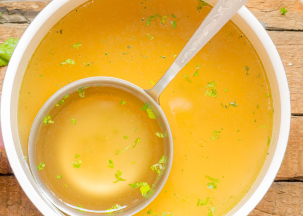 benefits of bone broth, health benefits to broth, broth cures what ailments?