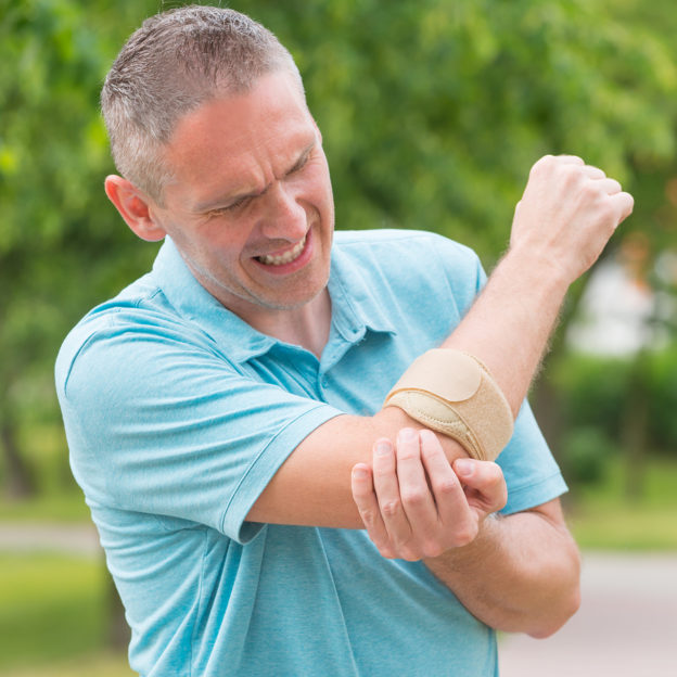 why does my elbow hurt, causes for elbow pain, tennis elbow, golfer elbow, how to ease or cure elbow pain