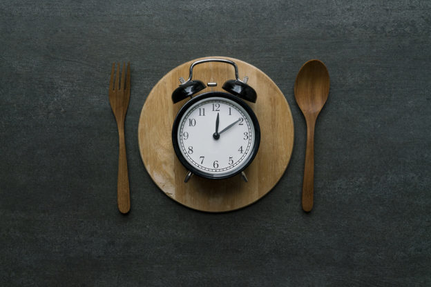 meal timing for weight loss, what is meal timing, how to eat for weight loss, easy way to trigger autophagy, what is autophagy, how can I lose weight faster, how much should I eat, when is the best time of day to eat, intermittent fasting, health benefits of calorie restriction